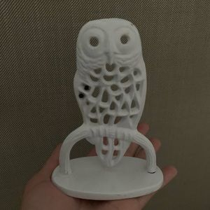 EUC urban outfitters white owl earring holder 🦉